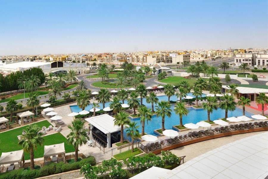 Marriott Al Forsan pool