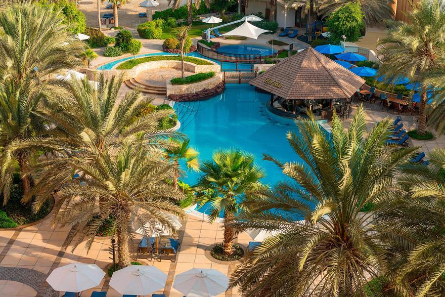 Shareaton ABu Dhabi Pool