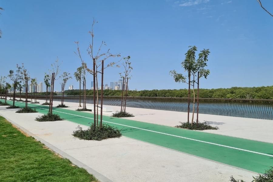 Cycle path along Al Gurm Corniche in Abu Dhabi