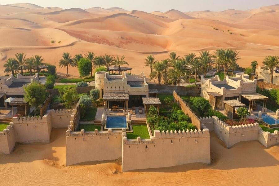 Qasr al Sarab Hotel Villa with Private Pool in the Abu Dhabi Desert